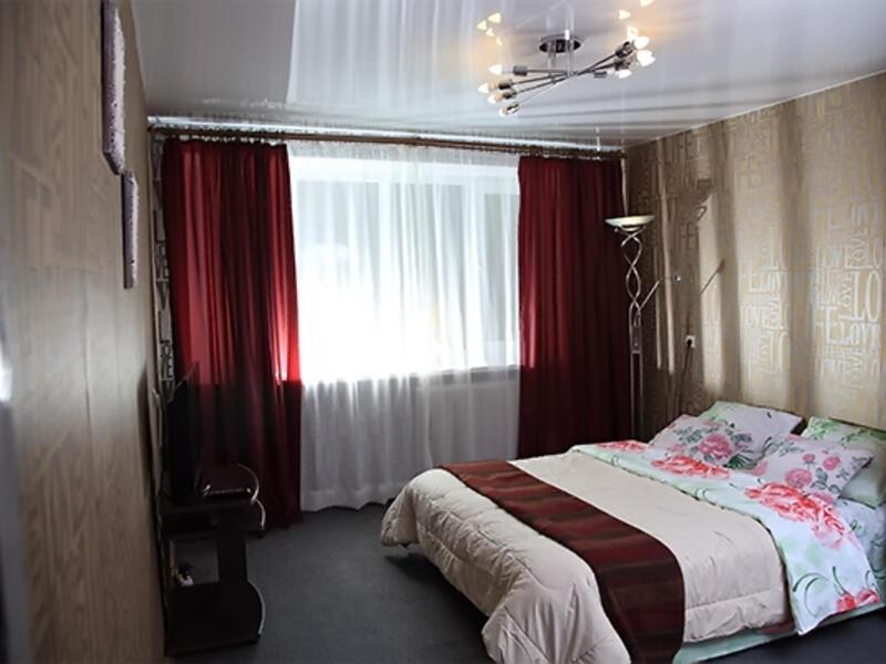 Квартира на сутки в Минске: 2-комнатная на улице Мясникова, 17